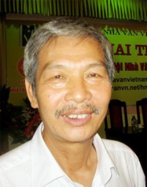 Nhà văn Văn Chinh