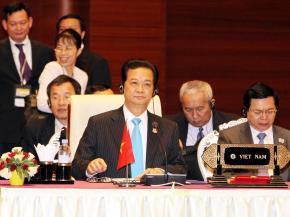 Thủ tướng Nguyễn Tấn Dũng phát biểu tại Hội nghị ASEAn. Ảnh: Thông tấn xã Việt Nam