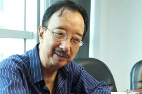 TS Alan Phan trong một buổi trò chuyện về dạy con với phóng viên VietNamNet. Ảnh: Hương Giang