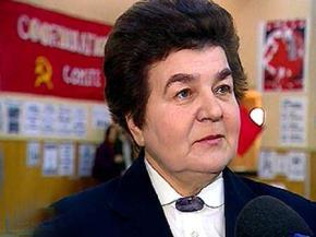 Nina Andreyeva, tác giả của bức thư Tôi không thể vứt bỏ nguyên tắc, châm ngòi cho cuộc đấu tranh tư tưởng cuối cùng trong nội bộ Đảng CS Liên Xô.