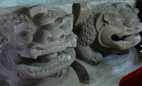 Sư tử đá chùa Bà Tấm, Bắc Ninh - Ảnh: Nam Nguyễn