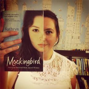Hài hước với những bức ảnh ghép bìa sách vào người