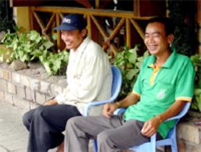 Thói hư tật xấu của người Việt: Học đòi làm dáng, sùng ngoại quá nặng, ...