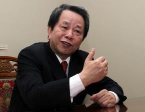 Chuyên gia kinh tế Nguyễn Trần Bạt cho rằng sở hữu chéo là vấn đề lớn đối với tái cơ cấu doanh nghiệp Nhà nước.