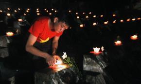 Thắp nên tại nghĩa trang quốc gia vùng Tây Bắc này có hơn 1.700 ngôi mộ liệt sĩ - đã từng chiến đấu bảo vệ tấc đất biên cương trước sự bành trướng, xâm lược của quân Trung Quốc 35 năm trước.