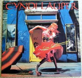 Cyndi Lauper bắt đầu sự nghiệp âm nhạc với album đầu tay phát hành vào năm 30 tuổi.