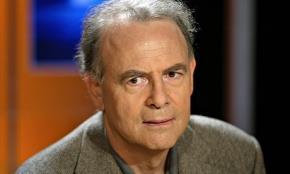 Nhà văn Pháp Patrick Modian - Ảnh: AFP