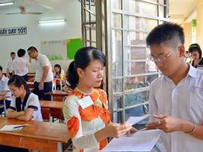 Thí sinh dự thi kỳ thi tốt nghiệp THPT năm 2013 tại TP HCM Ảnh: Tấn Thạnh