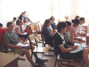 Vì sao sinh viên trường Đại học thường… học đại?