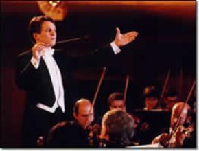 Quản lý giống như công việc của người nhạc trưởng trong 1 dàn hợp xướng