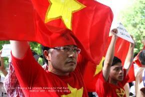 Hai cảm thức thơ Việt qua hai sự kiện Hoàng Sa - Trường Sa